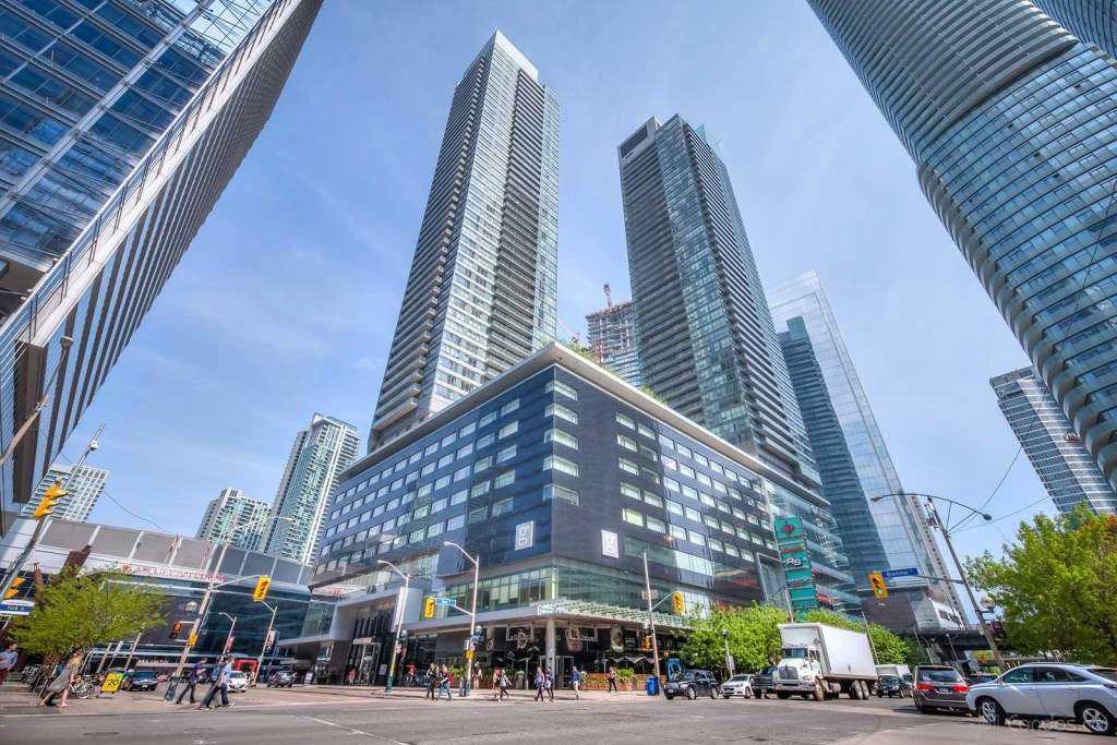 Residence of Maple Leaf Square picture 02
