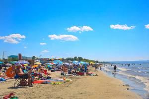 sky blue condos picture 03