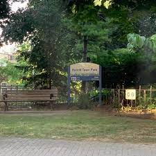 bloorcondo_park_outdoor-min
