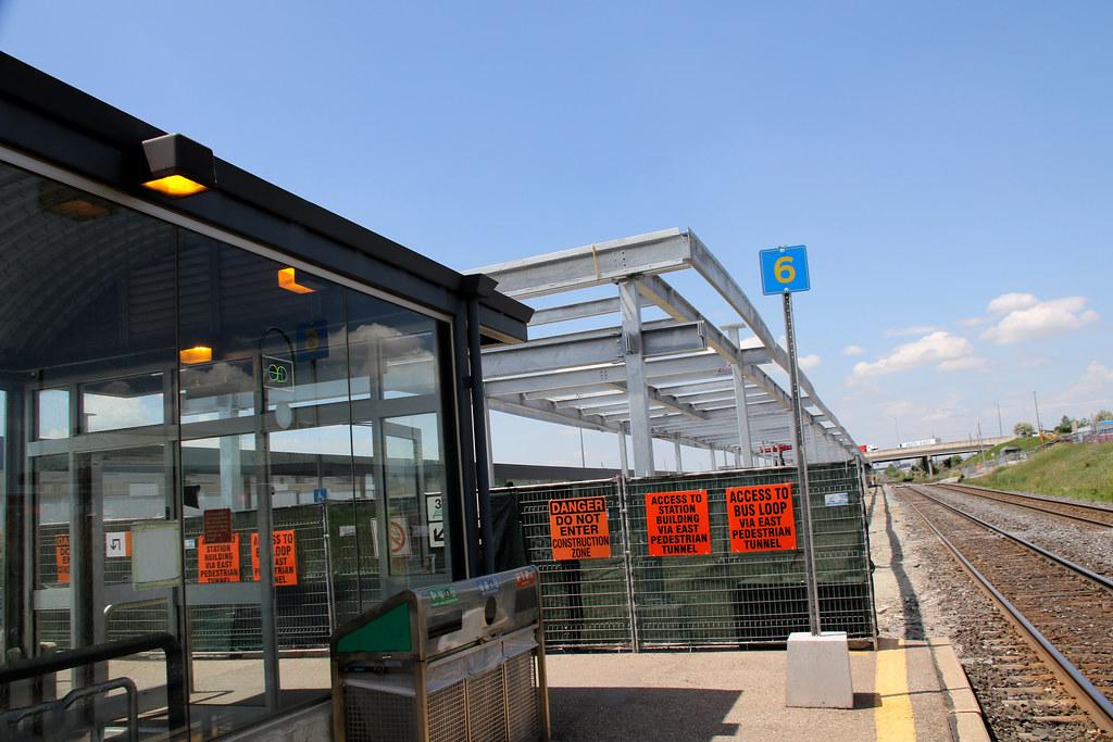 Lotus Pointe-transportation