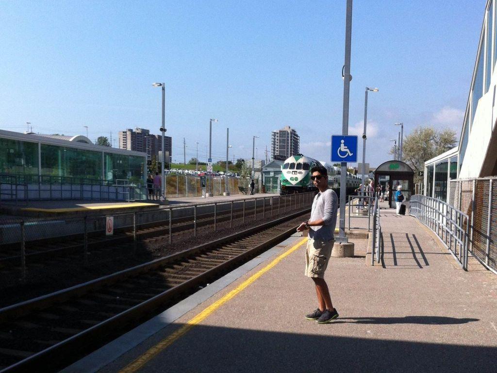 Pickering Go Train Station-min