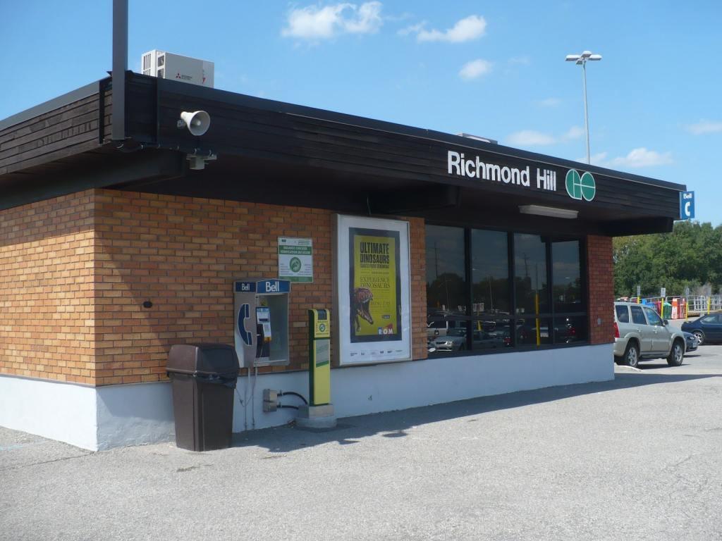 Richmond Hill GO Station-min