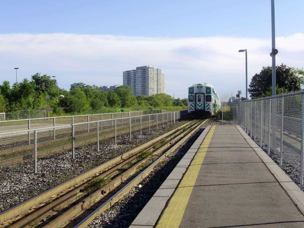 Scarborough GO Train station-min