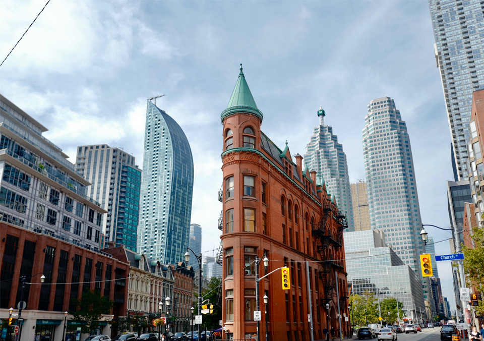 100 queen condo downtown. The home loan was sold at a high price